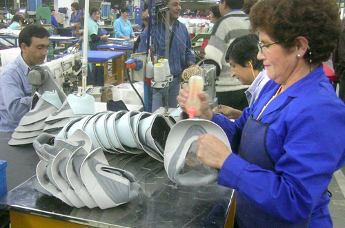Con la producción de la linea Nike, la planta Aguilares de Alpargatas podrá volver a sus épocas de esplendor de los 70. LA GACETA / OSVALDO RIPOLL