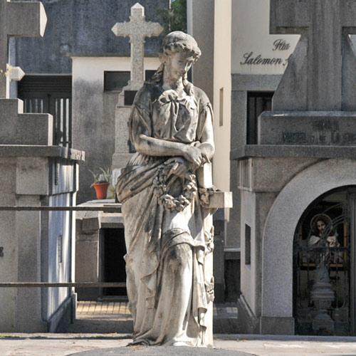 Quieren que el cementerio del oeste sea un museo a cielo for Cementerio jardin del oeste