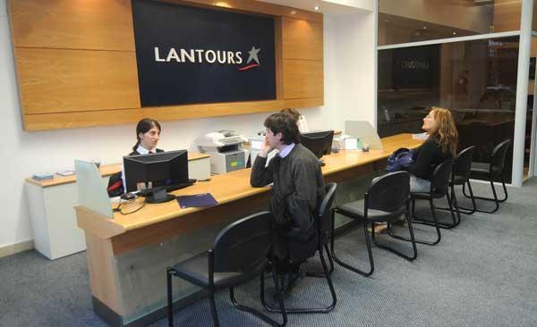 Lan tiene oficina en tucum n la gaceta tucum n for Oficina atencion al contribuyente madrid