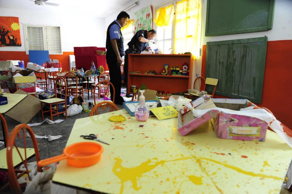 Robaron y destruyeron un jard n de infantes la gaceta for Azul naranja jardin de infantes