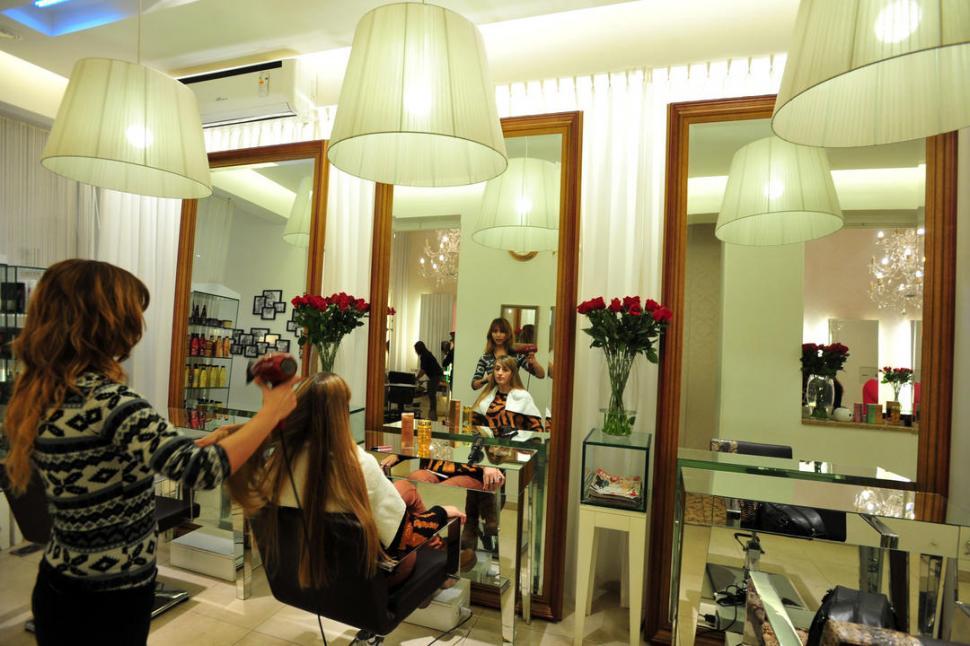 Peluquer as modernas boliche sushi dise o ah y de - Interiores de peluquerias ...