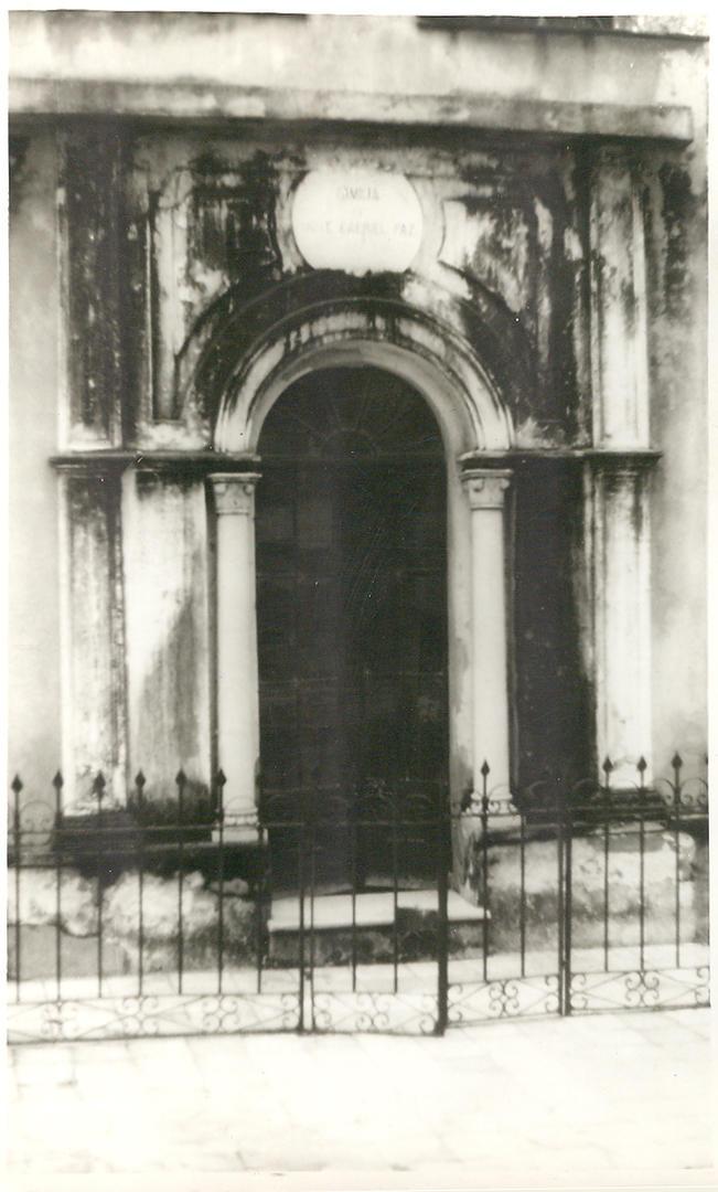 El viejo coronel paz la gaceta for Cementerio jardin del oeste