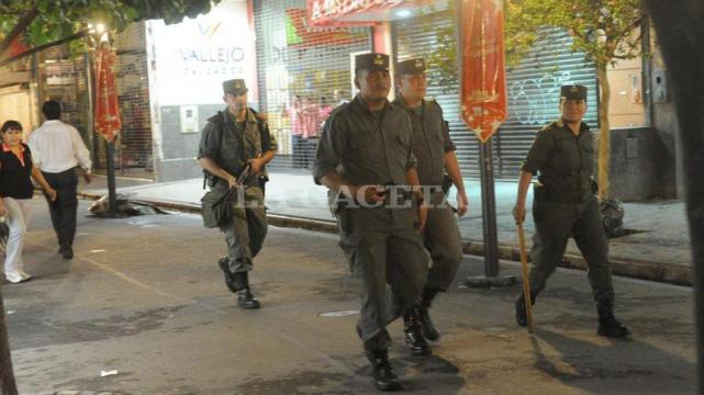 Gobierno otorga aumento de sueldo a gendarmes