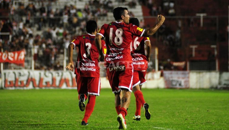 San Martín le ganó por goleada a Vélez San Ramón