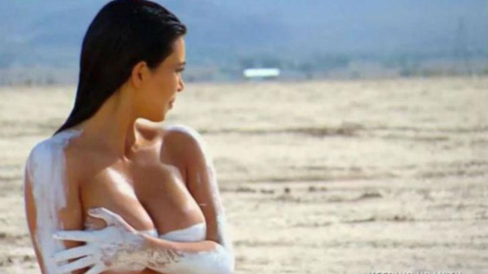 Desnudos caminatas al desierto en Arizona