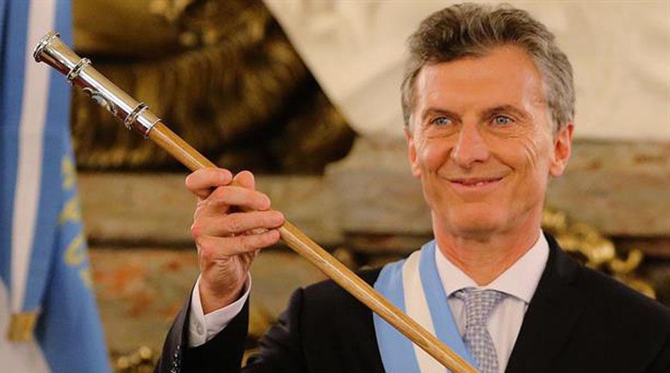 Macri cobr su primer sueldo como presidente y don parte - Sueldo monitora de comedor ...
