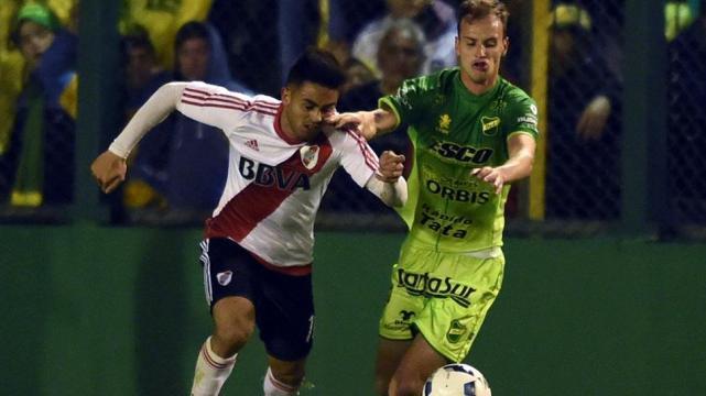 River derrota a Defensa y Justicia en un partido a puro gol