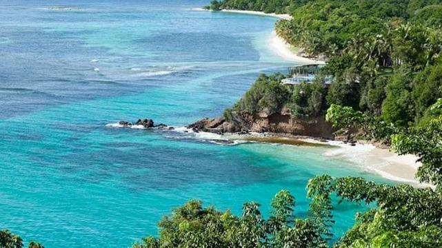 Para so ar en un d a de lluvia estas son tres de las playas m s exclusivas del mundo la - Volar a puerto rico ...