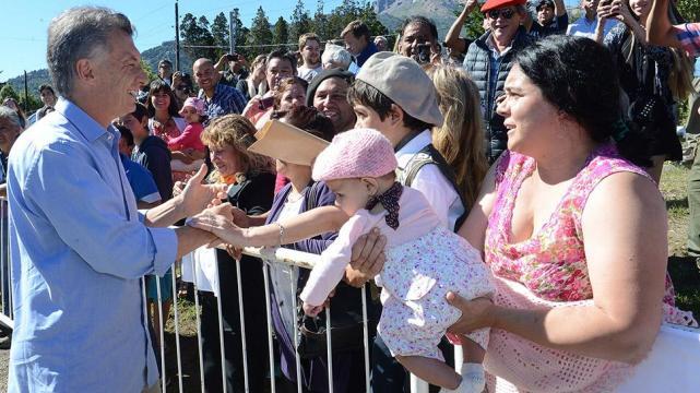 Resultado de imagen de Macri en Neuquen