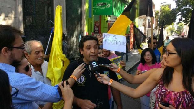 Resultado de imagen para sindicato de peones de taxi tucuman carlos pizarro