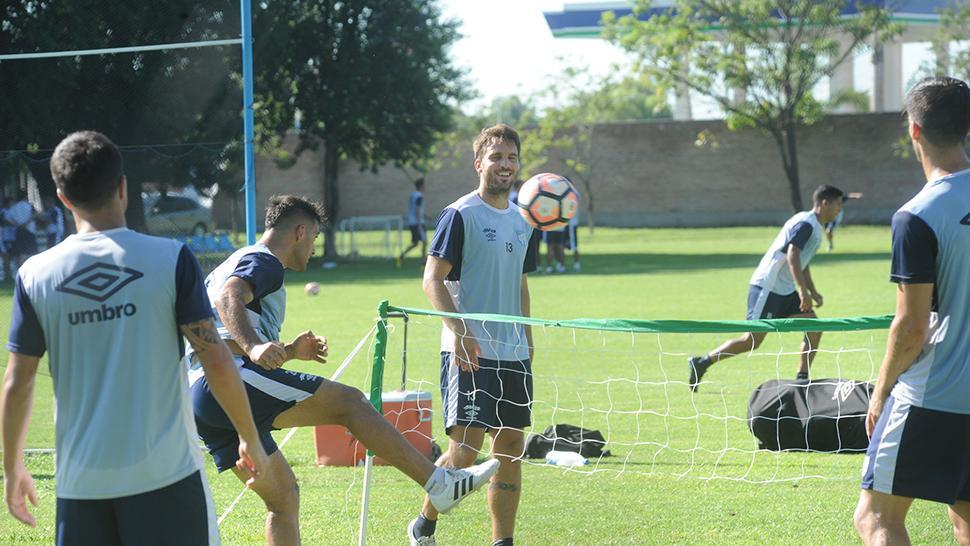 San Lorenzo volvió a tropezar y le dio más aire a Boca