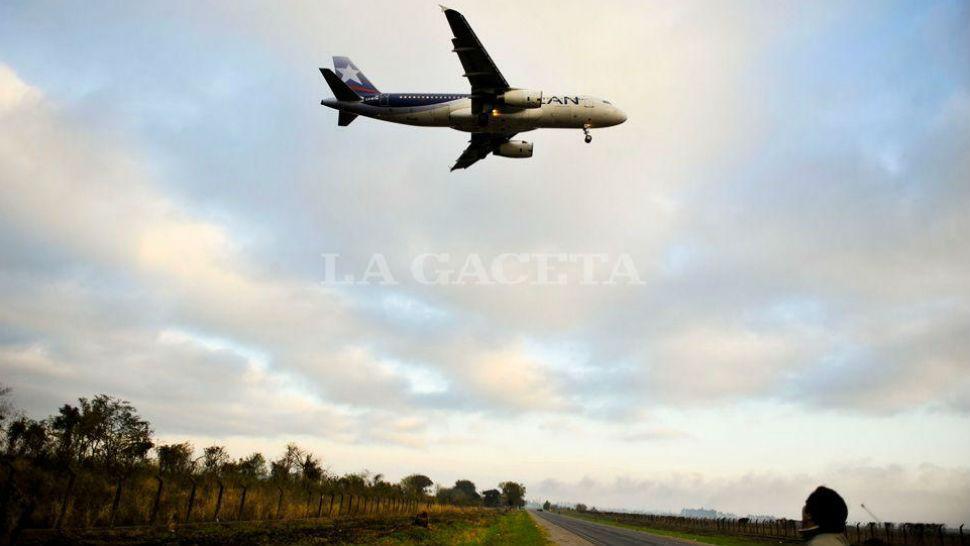 Anuncio oficial de los vuelos desde Tucumán hacia Perú y Chile