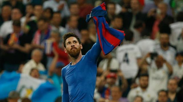 Neymar recrea la celebración de Messi en el Bernabéu