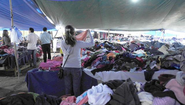 Prohíben la importación de ropa usada — Atención ferias americanas