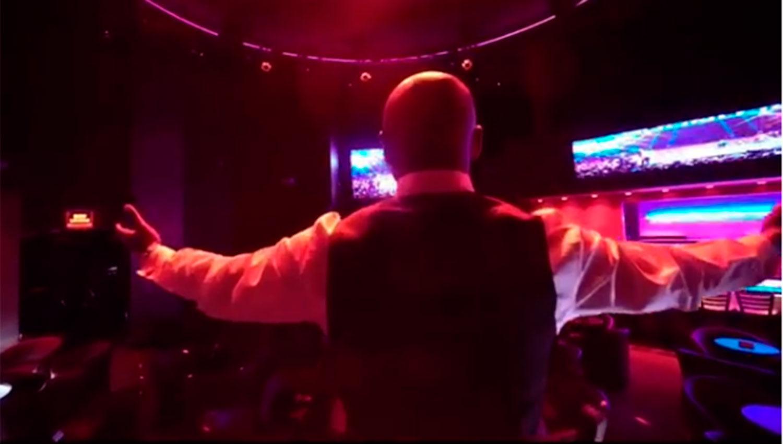 Bar de striptease masculino y baile de mesa - Wildhouse
