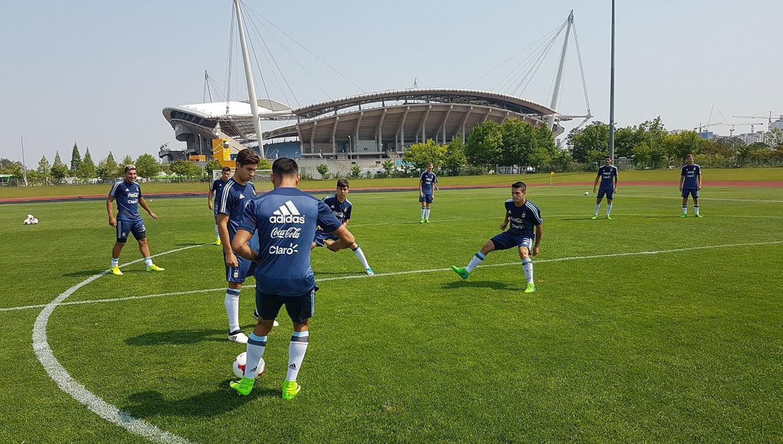 La selección ecuatoriana sub-20 entrenó sin novedades en Corea del Sur