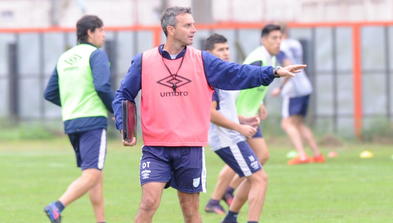 Atlético Tucumán busca frenar a Banfield, que está de racha