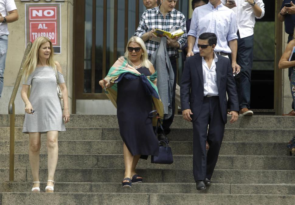 El juez Rafecas desestimó la denuncia contra Carrió por enriquecimiento ilícito