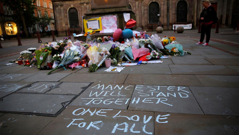 Detienen al hermano del terrorista suicida en Manchester