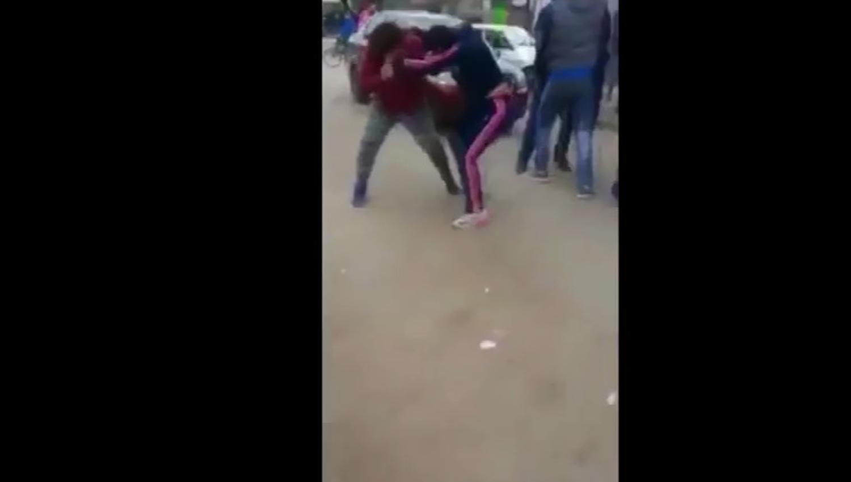 Padres de alumnos se agarraron a trompadas en la puerta del colegio