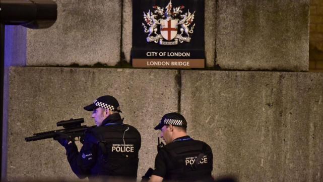Detienen a 12 por atentado en Londres