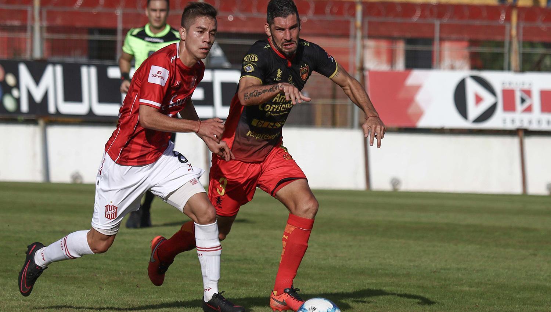La Lepra se hizo fuerte en Tucumán y ganó 2 a 1
