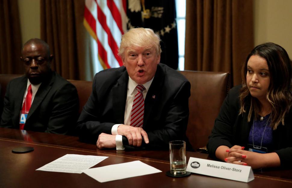 Donald Trump arremetió e insultó a periodistas que lo criticaron en Twitter
