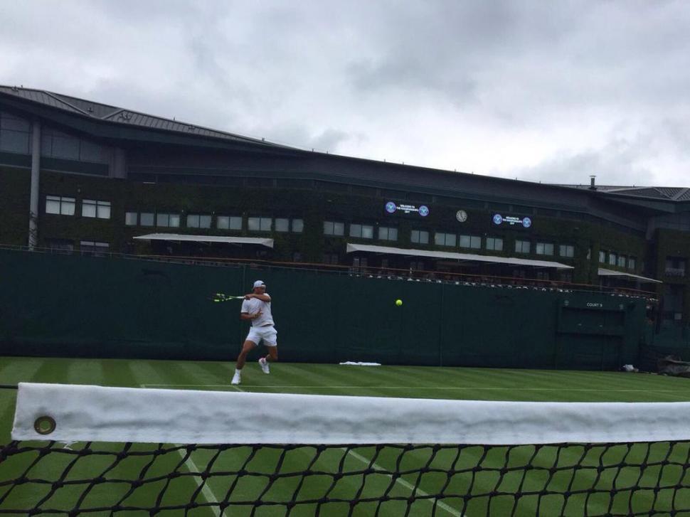 Rafael Nadal pisó fuerte en su regreso a Wimbledon