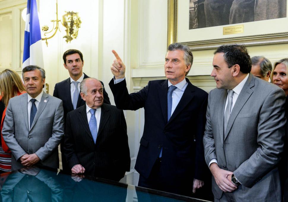 Macri quiere derogar las PASO