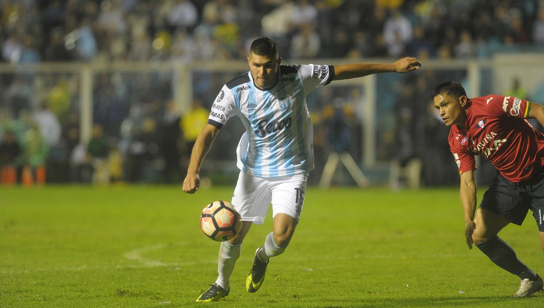 Oriente Petrolero-Atlético Tucumán, por la Copa Sudamericana: horario, TV y formaciones