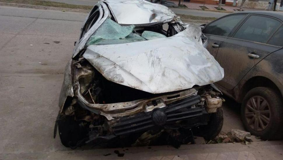 Un tucumano murió y tres resultaron heridos en un accidente en Santiago