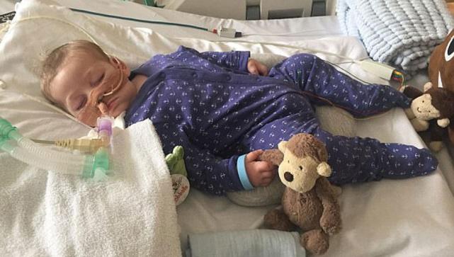 Fallece bebé británico Charlie Gard tras larga batalla judicial