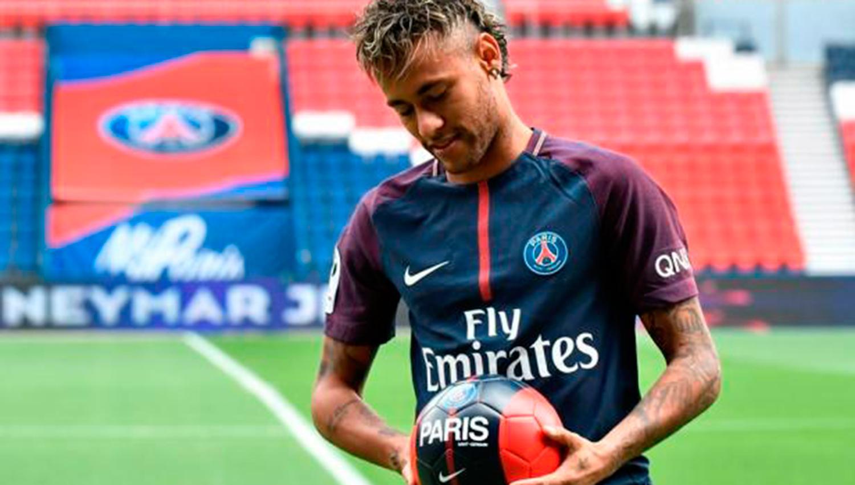 Neymar podrá debutar el fin de semana, PSG recibe pase internacional