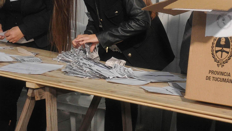 El escrutinio definitivo se conocerá el próximo fin de semana — Elecciones PASO