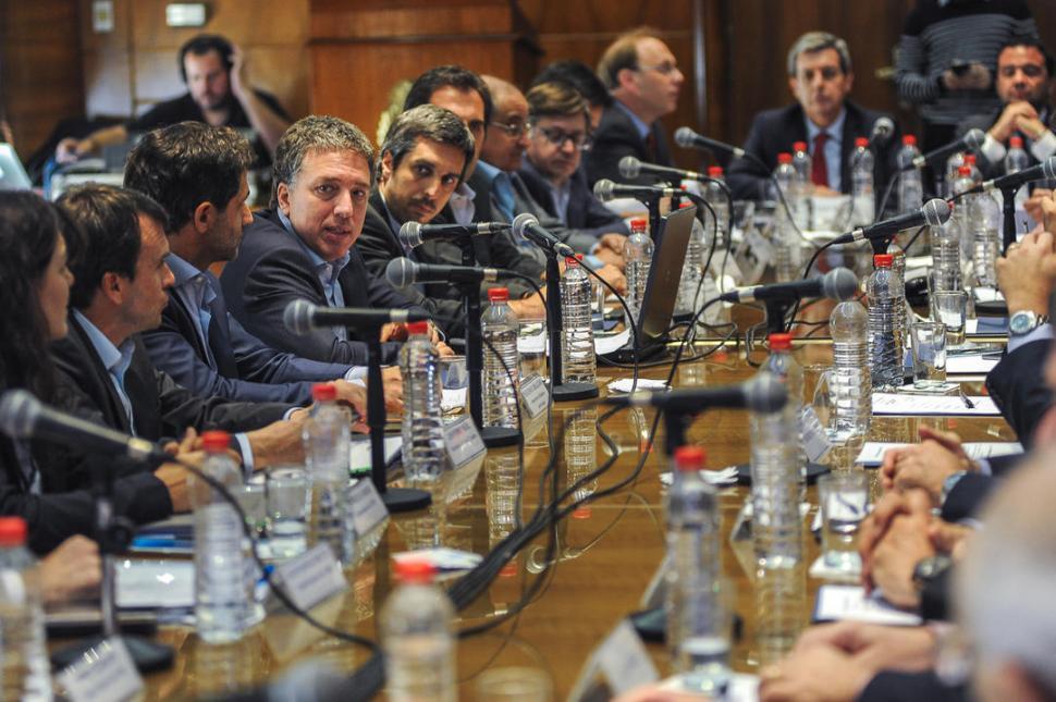 Economía: Nación y provincias acordaron proyecto para moderar el gasto público