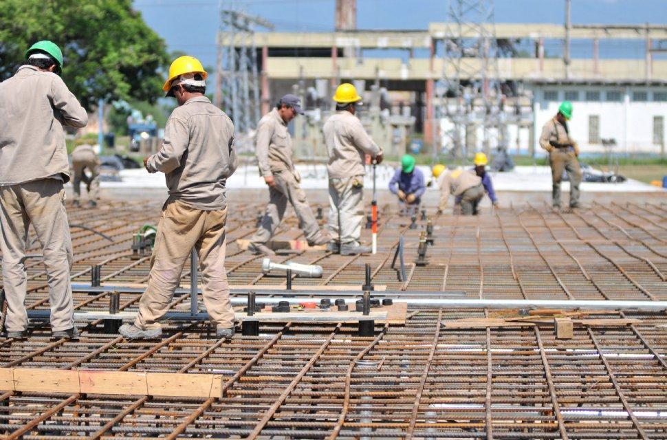 En julio, la industria creció 5,9% y la construcción, 20%