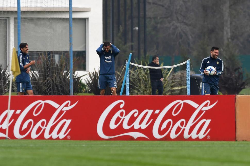 Argentina sufrió, empató y se jugará todo en las dos fechas finales