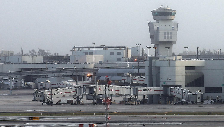 Avianca cancela vuelos a tres aeropuertos de EE.UU. por huracán Irma
