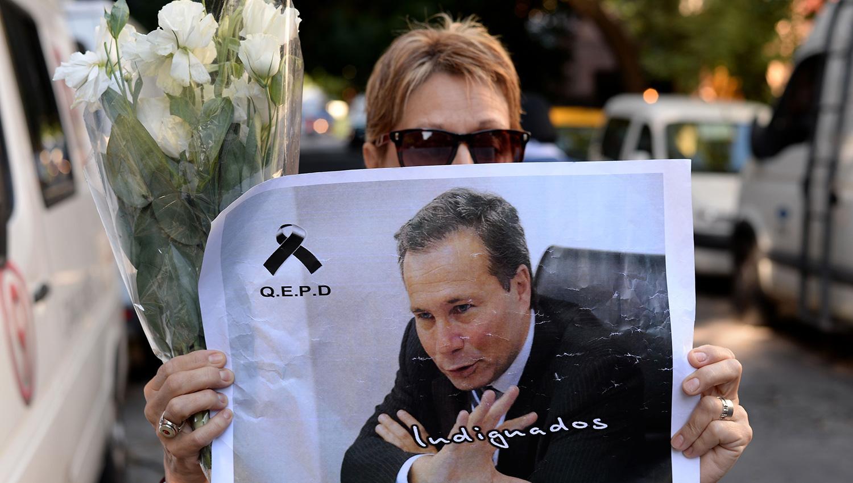 Lagomarsino presentó su informe pericial y alega que el fiscal se suicidó