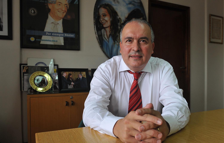 Piden el embargo de dos propiedades de José López en territorio tucumano