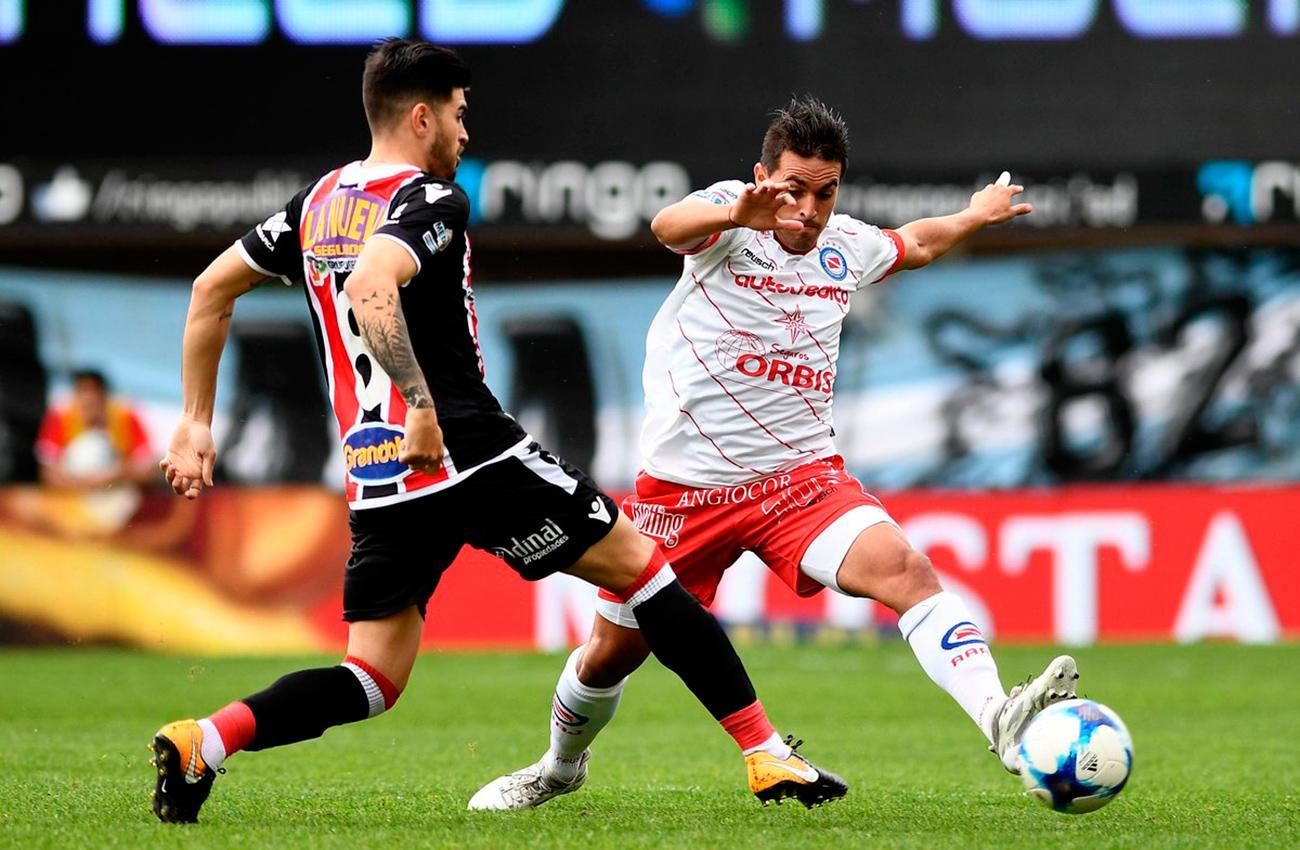 Argentinos-Chacarita, Superliga: los ascendidos recuperan su partido de la primera fecha