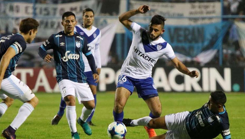 Vélez llegó a Santa Fe con equipo confirmado