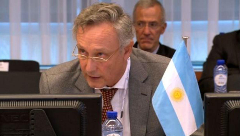 Macri designa nuevos embajadores de Argentina en Francia y La India