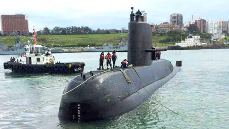 Submarino argentino: Débiles llamadas satelitales no logran entregar localización