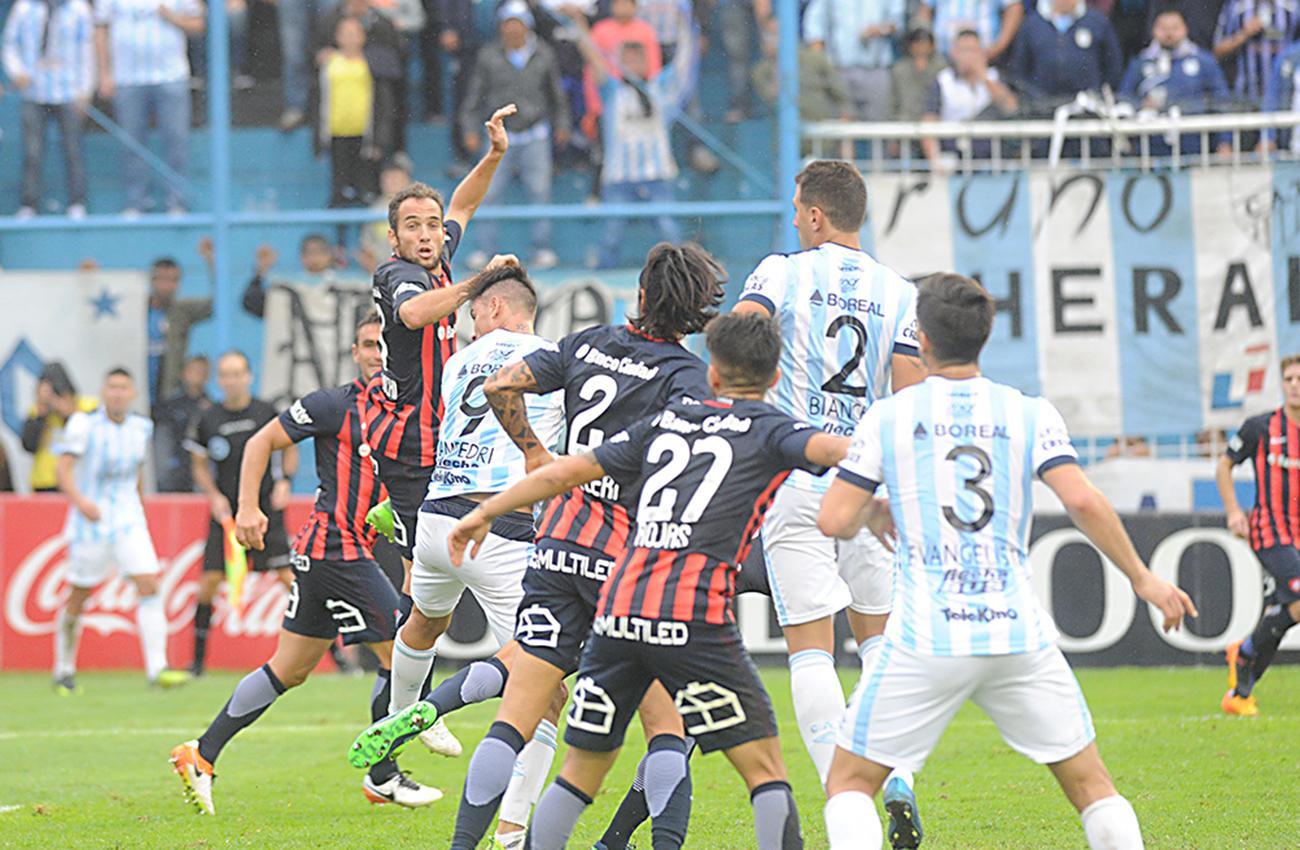 San Lorenzo le gana a Atlético Tucumán por la Superliga