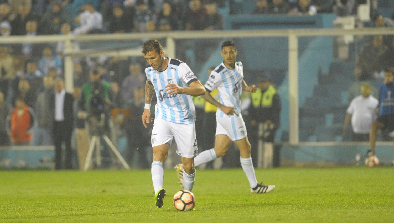 En Tucumán, Atlético dejó sin invicto a Colón de Santa Fe