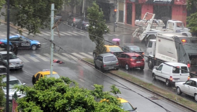 Un auto fuera de control mató a una mujer