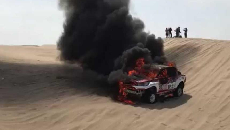 Argentina Alicia Reina abandonó el Dakar 2018 tras incendiarse su auto