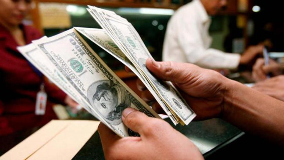 El dólar bajó ocho centavos y cerró la jornada a $19,85