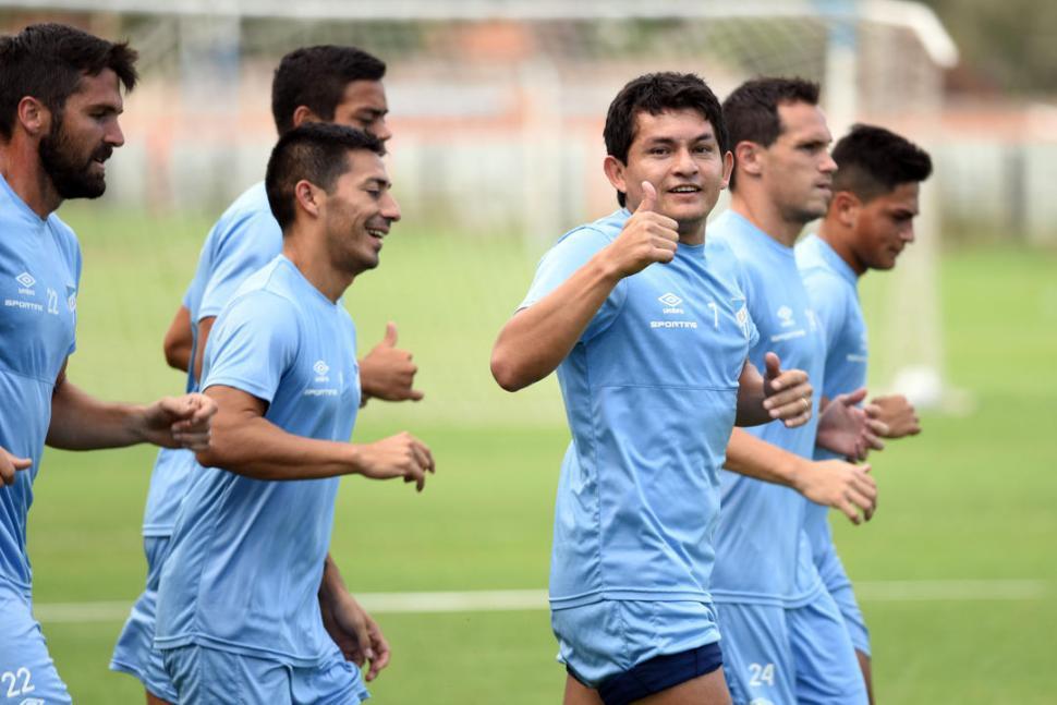 Atlético Tucumán goleó a Temperley y sueña con las copas